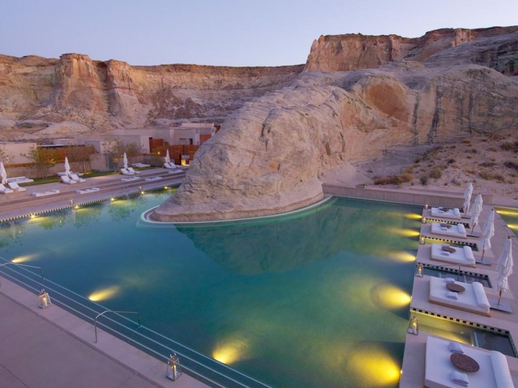 AMANGIRI giri_swimming_pool_dusk_2