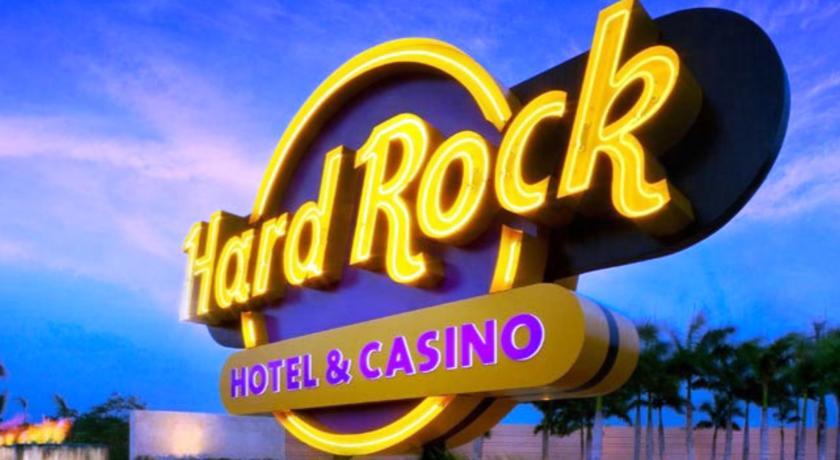 hard-rock-hotel-casino-punta-cana-all-inclusive_14691393541